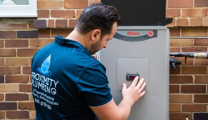 https://proximityplumbing.com.au/wp-content/uploads/2020/12/No-Hot-Water-Rheem-1.jpg